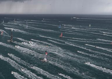 Le départ, un moment toujours très intense pour les spectateurs comme pour les marins qui partent pour vivre leur rêve !