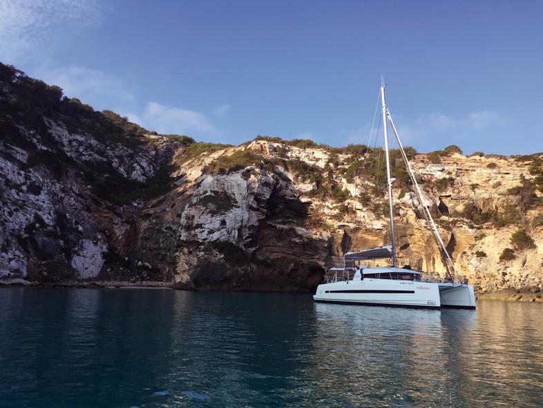 Destination Baléares : le catamaran id_al pour d_couvrir