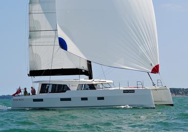 La vidéo de notre essai à bord du catamaran Broadblue Rapier 550