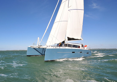 Avant première : découvrez en vidéo notre essai à bord du catamaran M Cat 52