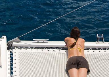 Construire soi-même son catamaran: pourquoi pas vous?